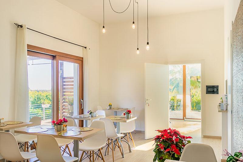sala-colazione-villa-landolina-noto-1