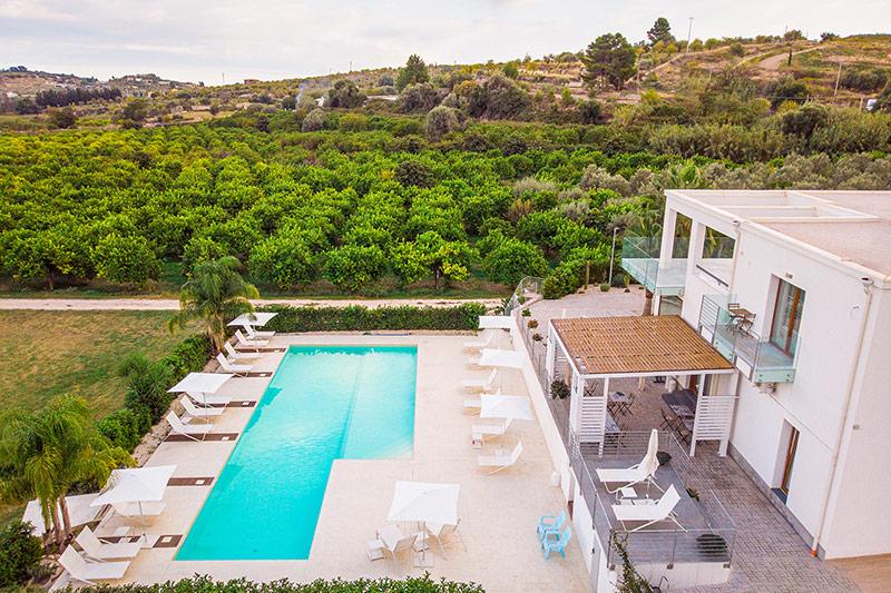 vista-piscina-villa-landolina-noto